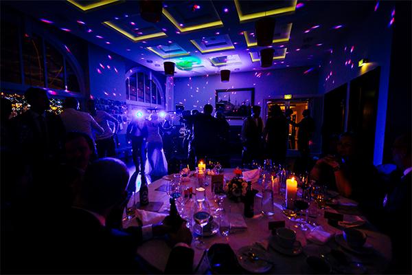 DJ mobildiskotek lys til bryllup